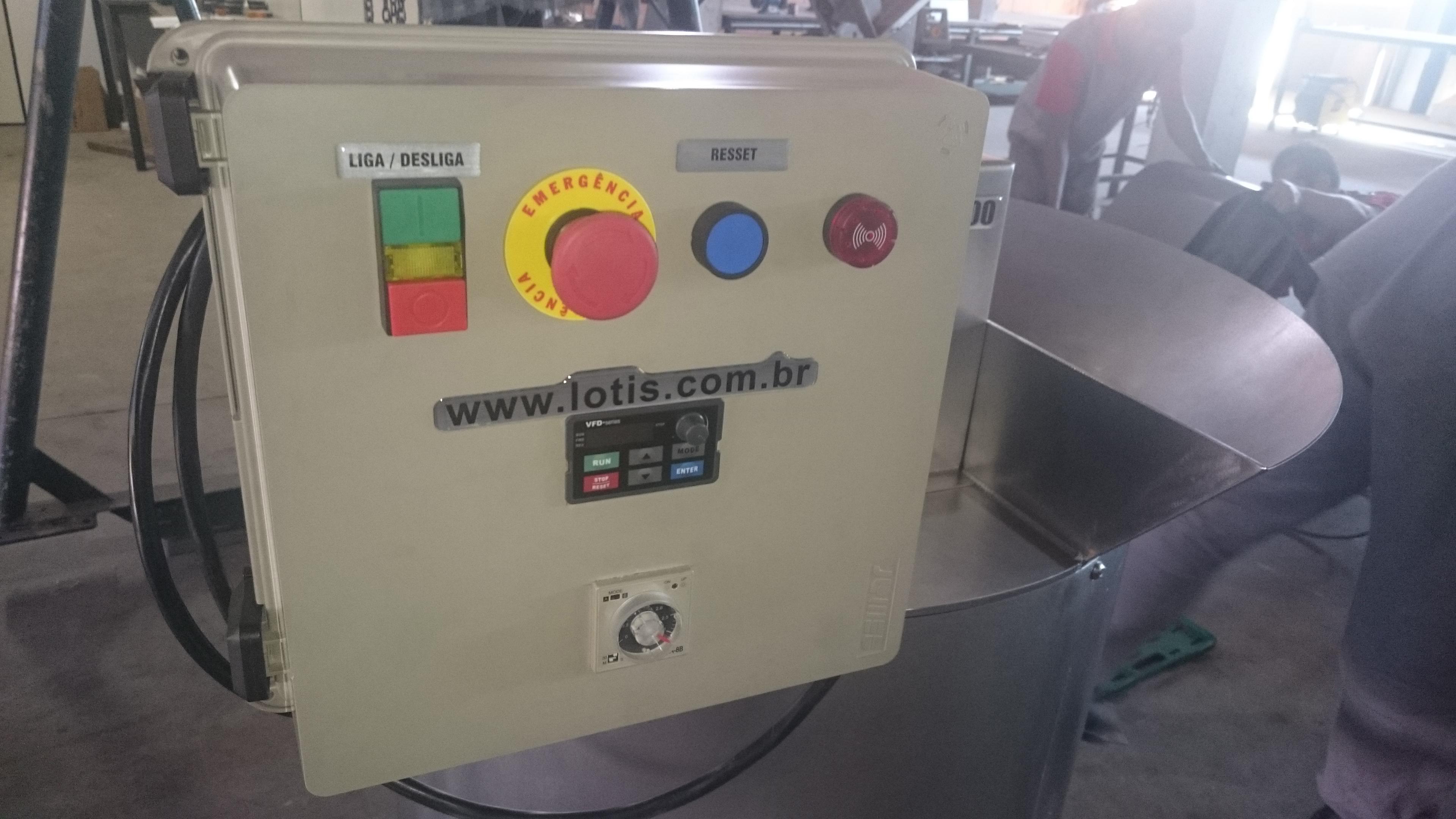 Máquina de Descascar Industrial - 3